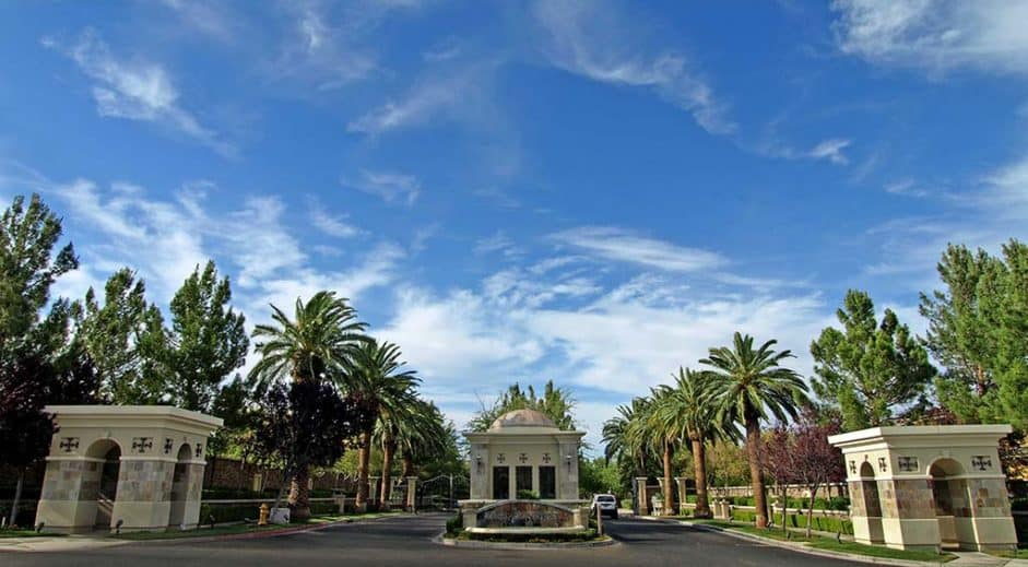 las-vegas-luxury-guard-gated-real-estate-bellacere-13-941x519