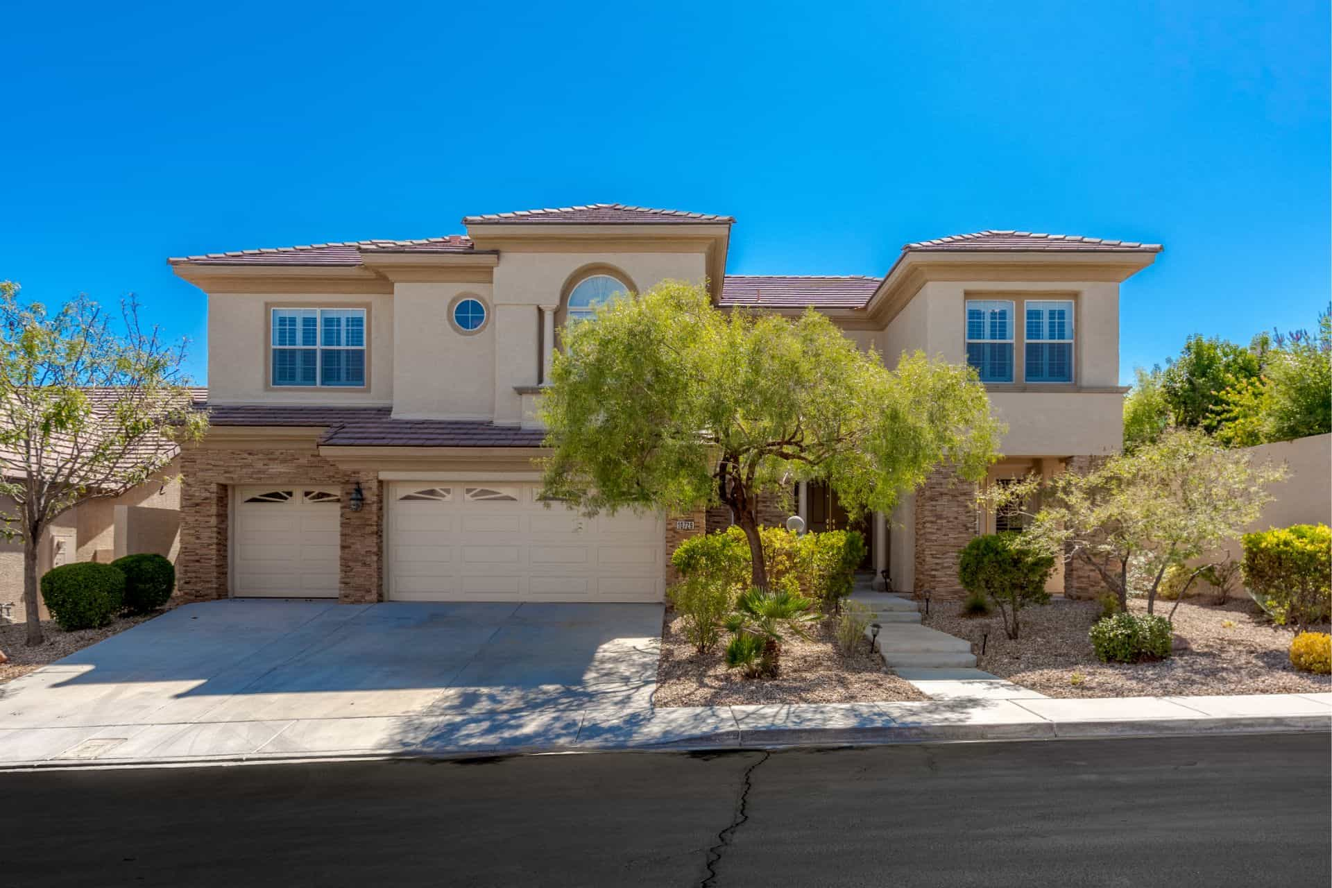 las-vegas-luxry-real-estate-realtor-rob-jensen-company-10729-grey-havens-court-willow-cre