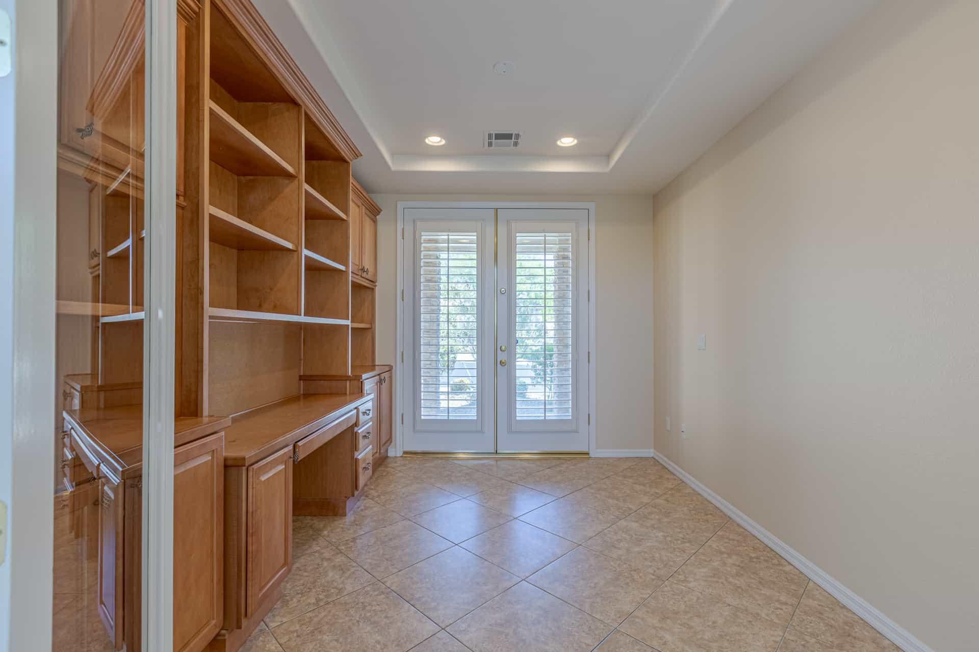 las-vegas-luxry-real-estate-realtor-rob-jensen-company-10729-grey-havens-court-willow-creek1157