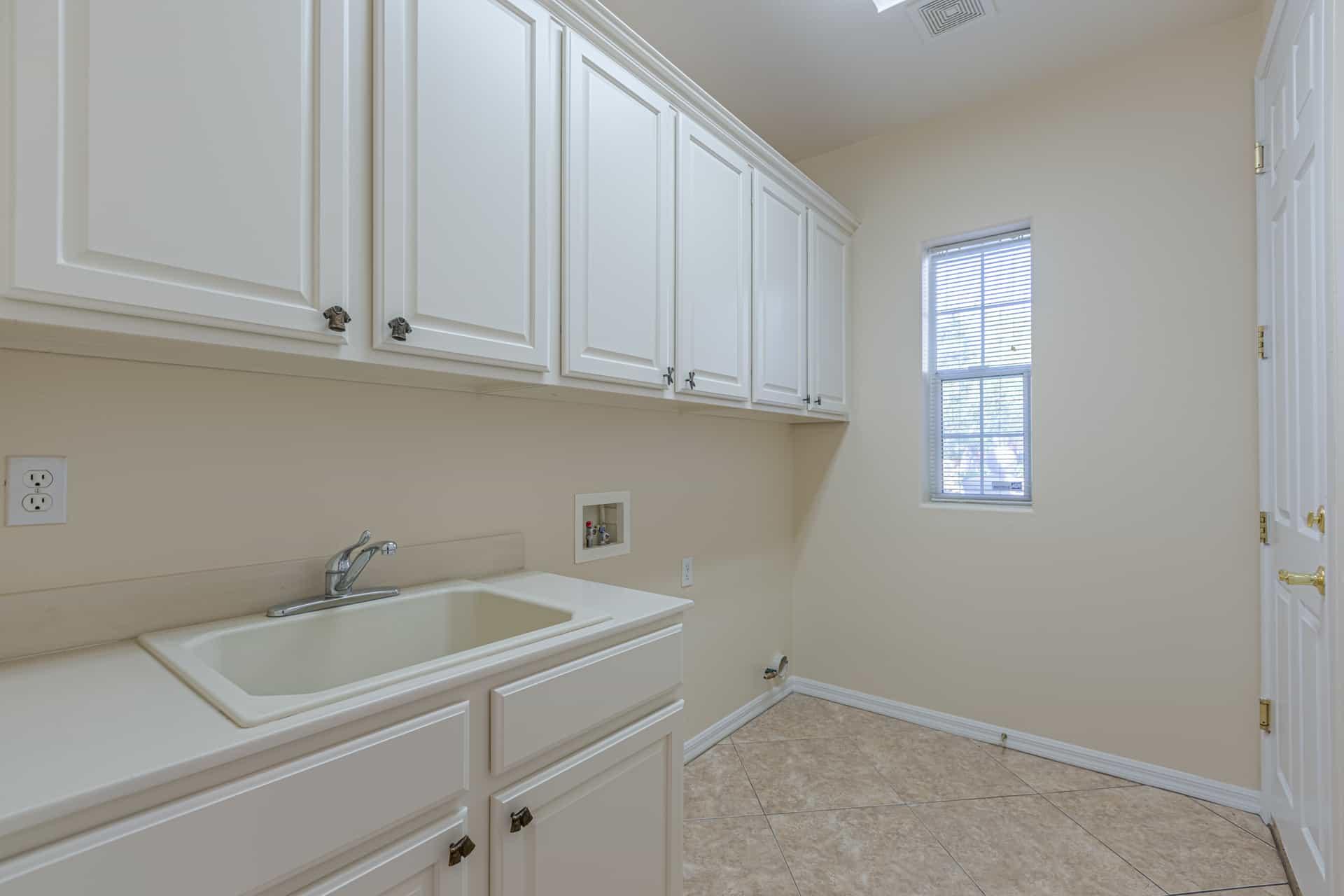 las-vegas-luxry-real-estate-realtor-rob-jensen-company-10729-grey-havens-court-willow-creek2657