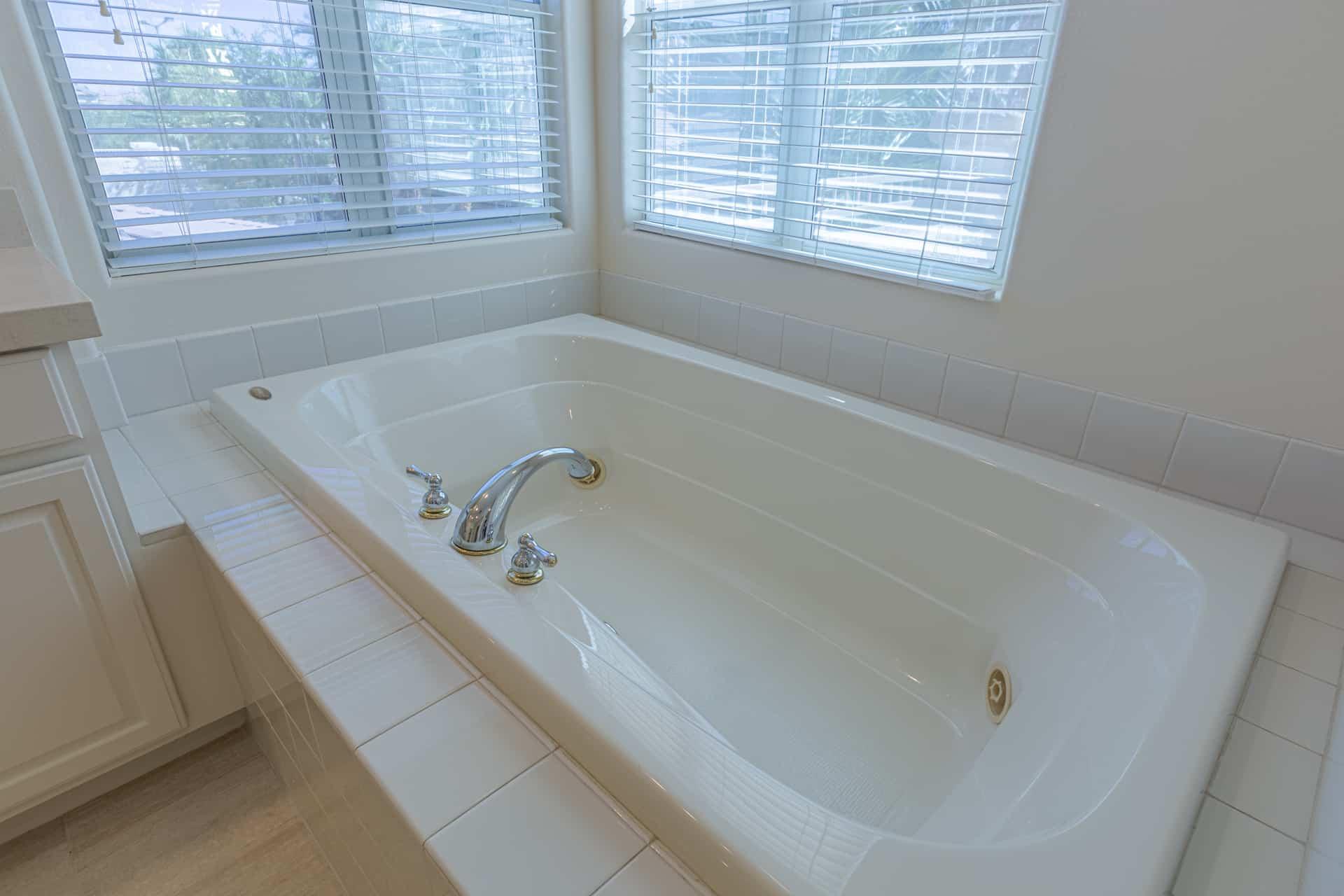 las-vegas-luxry-real-estate-realtor-rob-jensen-company-10729-grey-havens-court-willow-creek3557