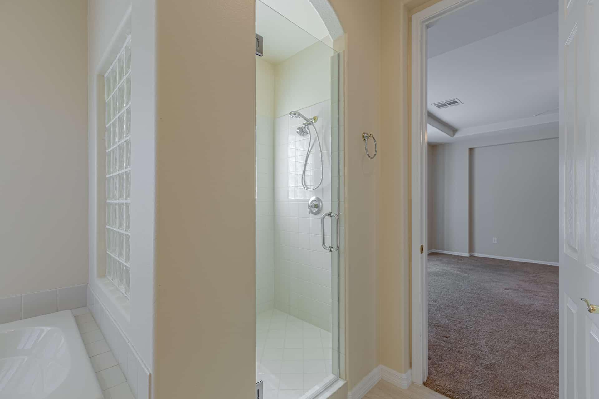 las-vegas-luxry-real-estate-realtor-rob-jensen-company-10729-grey-havens-court-willow-creek3657
