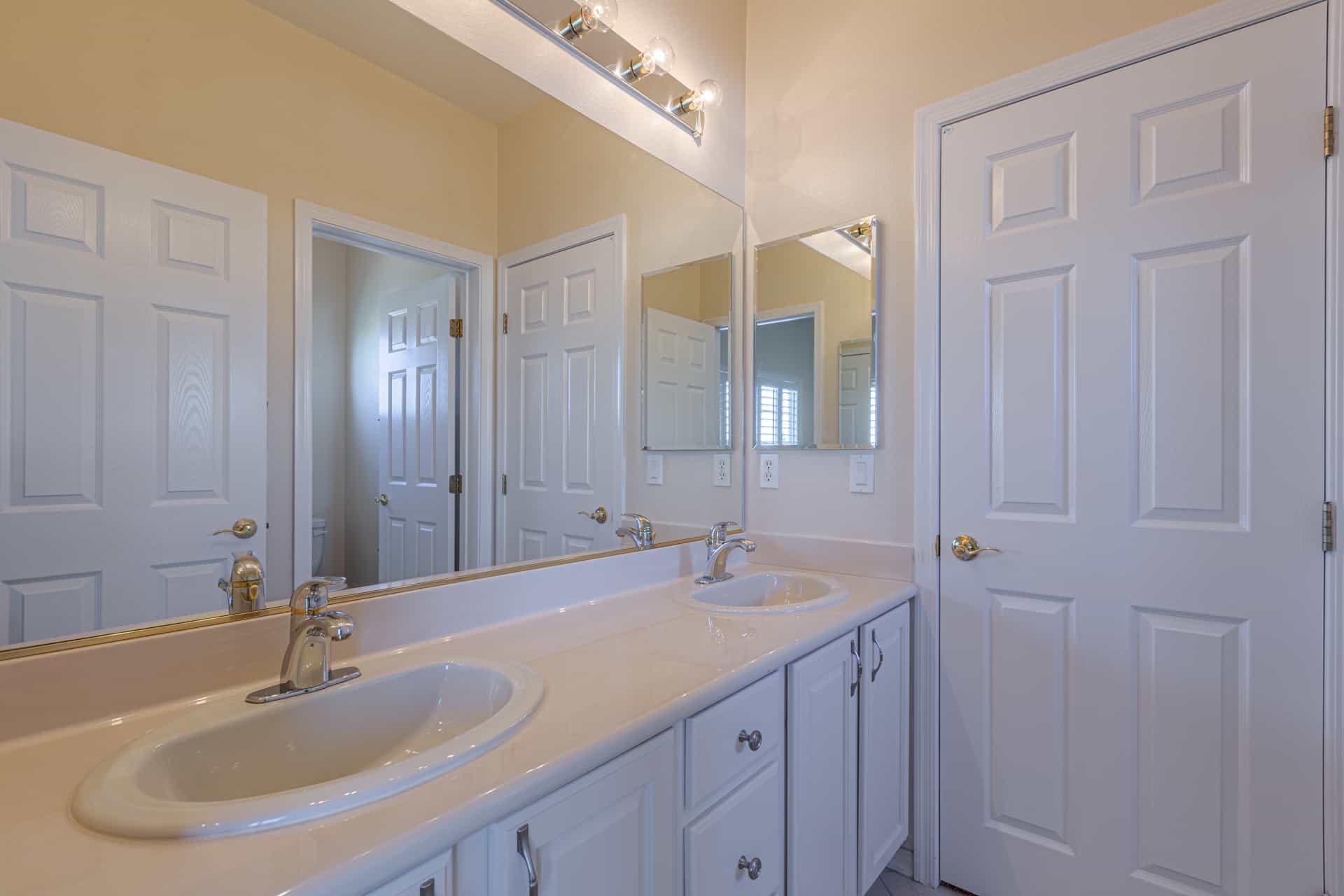 las-vegas-luxry-real-estate-realtor-rob-jensen-company-10729-grey-havens-court-willow-creek4457