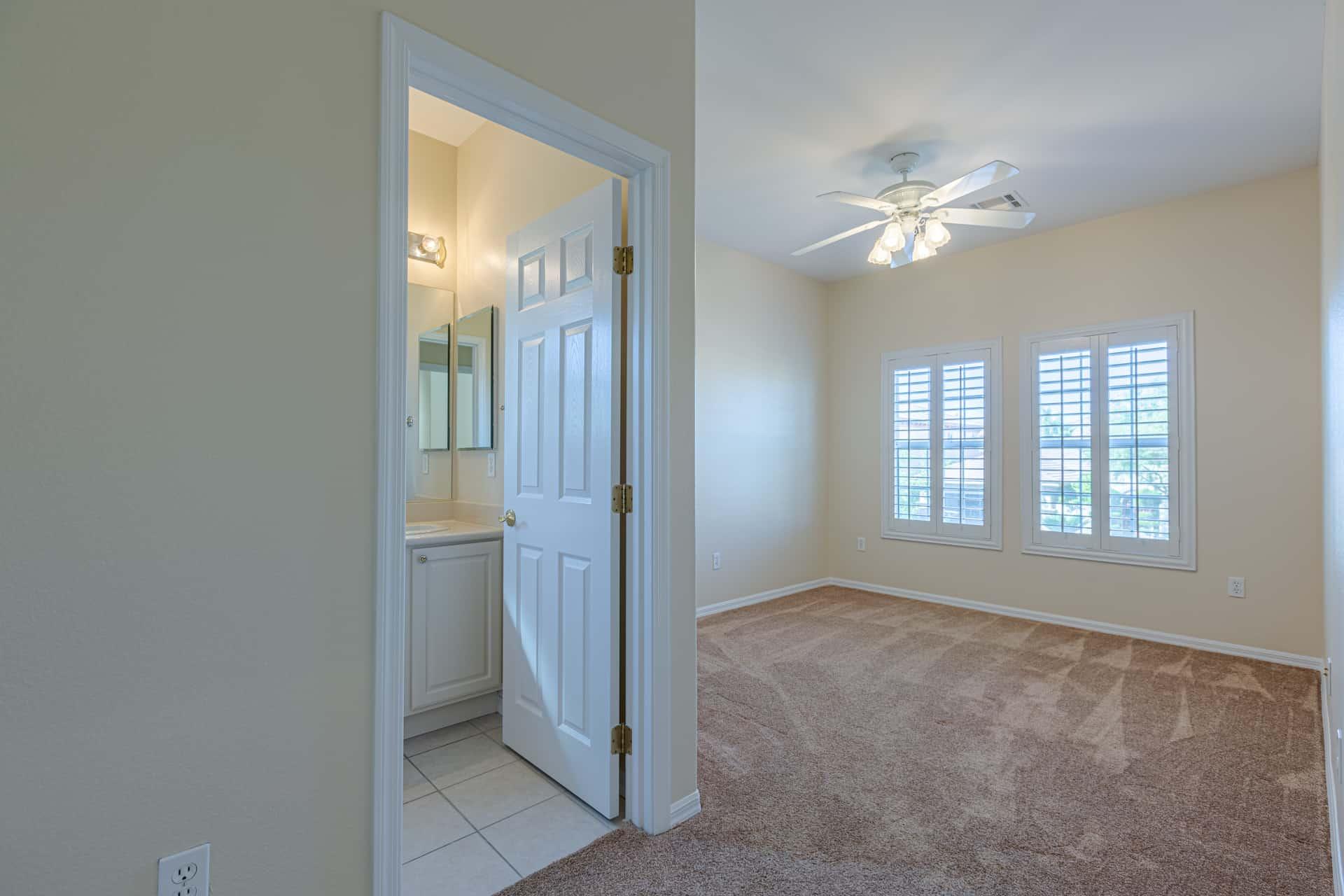 las-vegas-luxry-real-estate-realtor-rob-jensen-company-10729-grey-havens-court-willow-creek4757