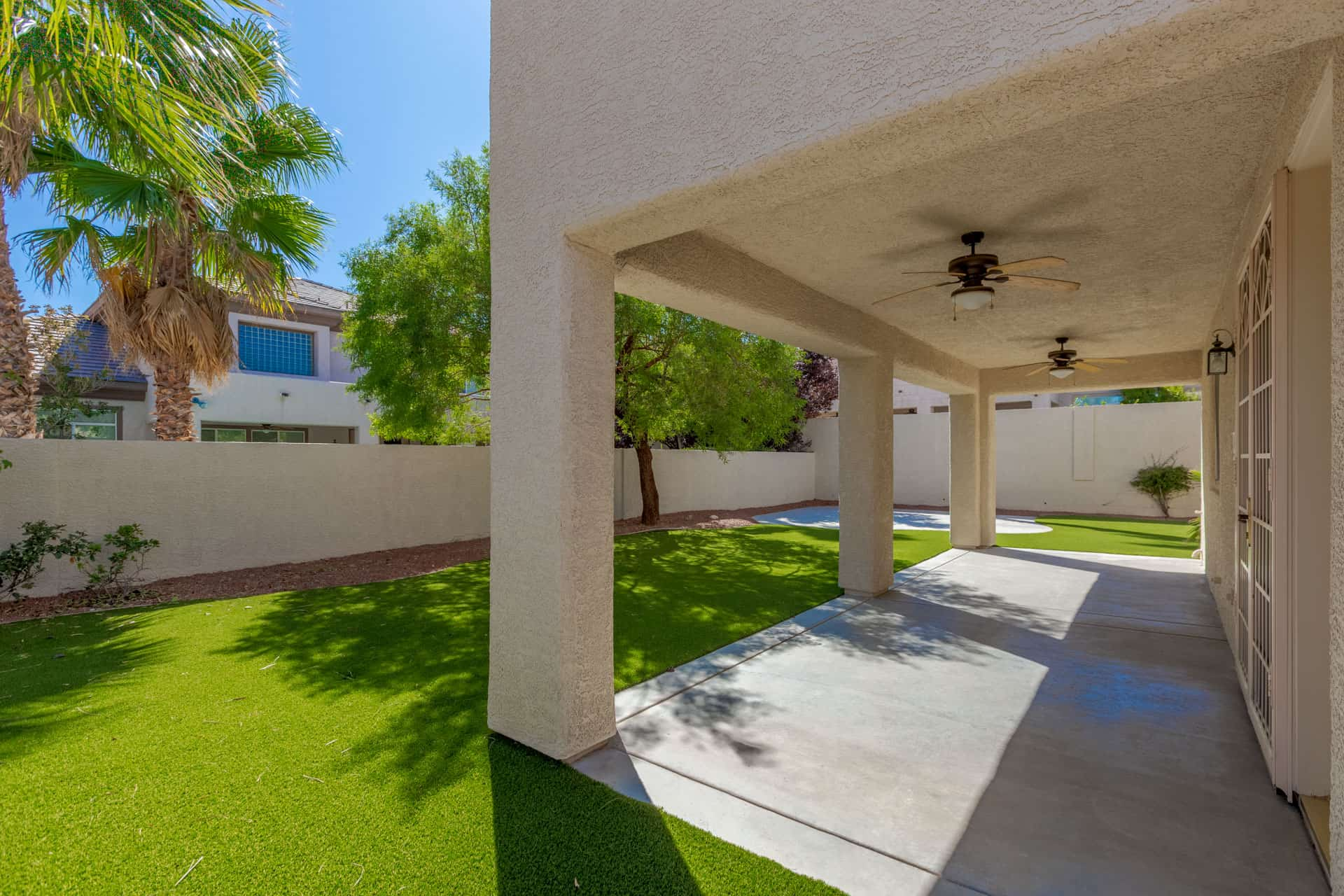 las-vegas-luxry-real-estate-realtor-rob-jensen-company-10729-grey-havens-court-willow-creek5057