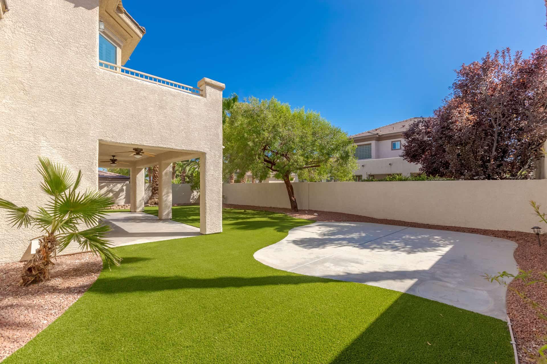 las-vegas-luxry-real-estate-realtor-rob-jensen-company-10729-grey-havens-court-willow-creek5657