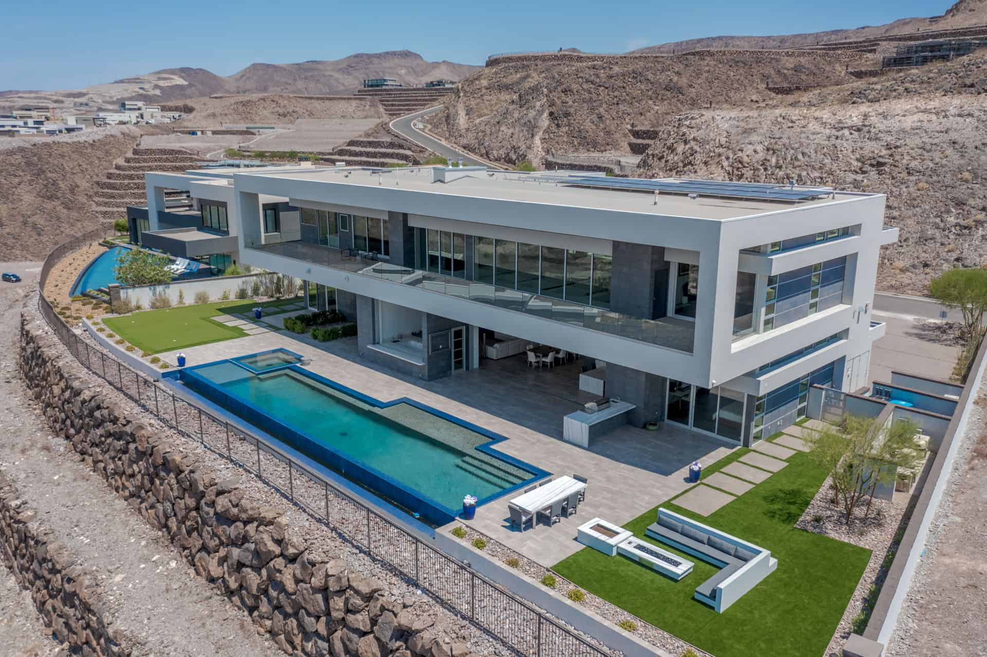 las-vegas-luxry-real-estate-realtor-rob-jensen-company-5-rockstream-drive-ascaya005