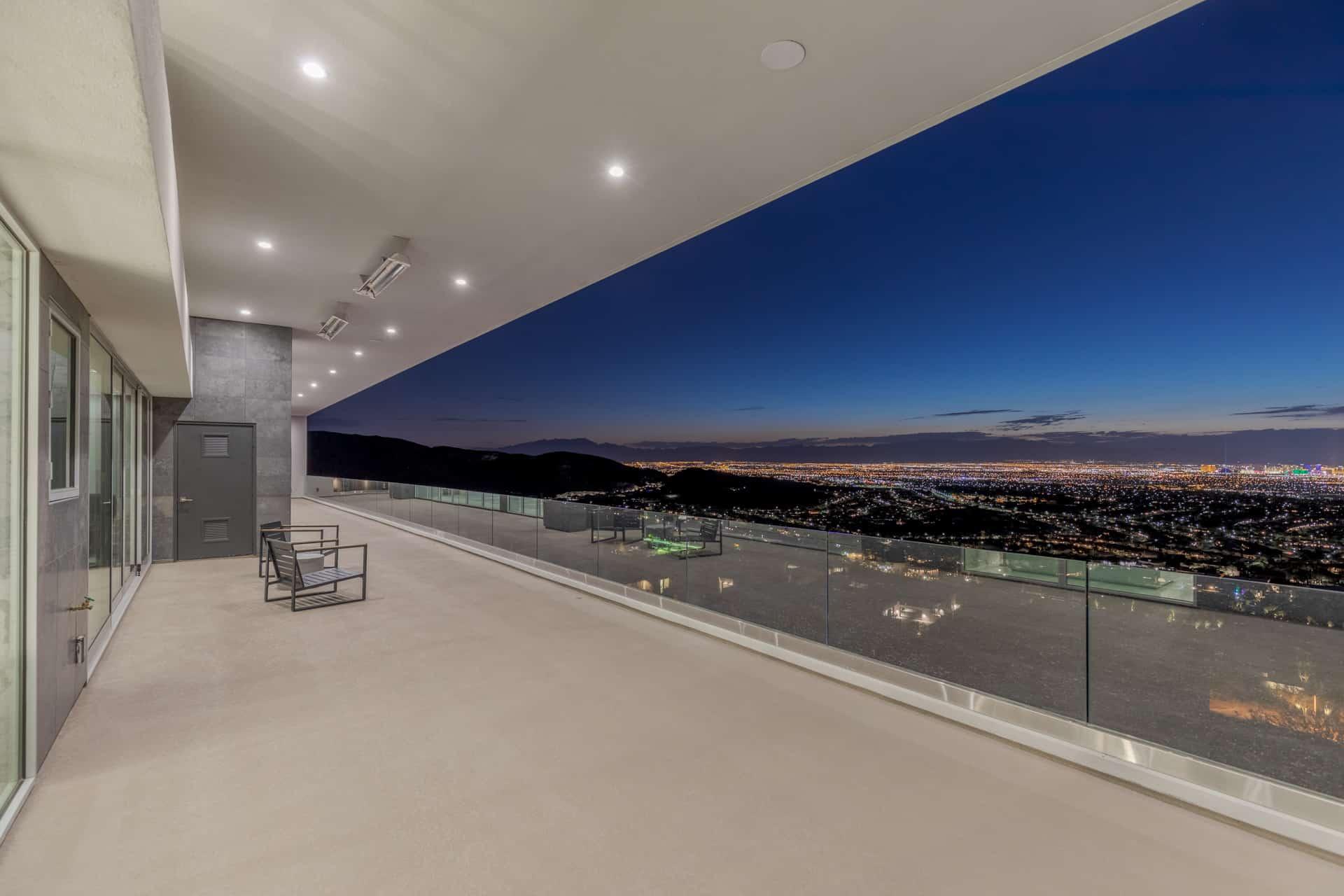 las-vegas-luxry-real-estate-realtor-rob-jensen-company-5-rockstream-drive-ascaya099